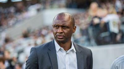Patrick Vieira asegura que no se distrae por los rumores que lo vinculan al Nice de Francia