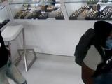 Roban cadenas valoradas en decenas de miles de dólares en una joyería de Miami