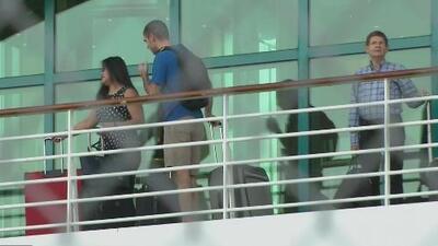 Regresa a Florida uno de los dos cruceros en el que viajaban víctimas del accidente de un autobús de turismo en México