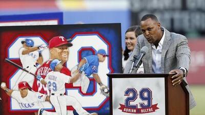 Rangers retiraron el número 29 del dominicano Adrián Beltré