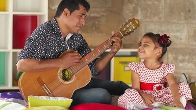 'Beba' y su papá son un ejemplo de cómo trabajar en equipo convierte a los niños en 'Pequeños Gigantes'