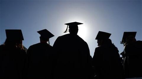 La universidad Sacramento State pospone las ceremonias de graduación
