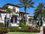 Familia ofrece $120,000 a la pareja que cuide de sus lujosas casas en Florida y Bahamas