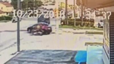 Conductor de Uber denuncia que un motociclista disparó varias veces contra su auto en plena calle