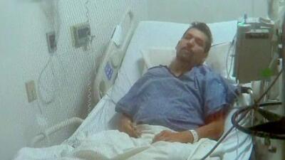 En el hospital por dos errores: ICE lo confunde con un fugitivo y un agente le pisa el pie por accidente