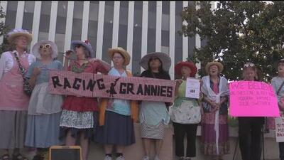 Manifestación de apoyo a Christine Blasie Ford en Palo Alto
