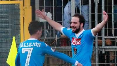 Nápoles golea al Frosinone, toma el liderato y es campeón de invierno en la Serie A