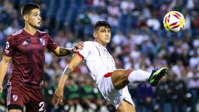 En fotos: River Plate goleó a Chivas y Oribe Peralta tuvo minutos en el campo