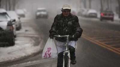Luego de tratar de prohibirlas, Nueva York se abre lentamente a las bicicletas eléctricas