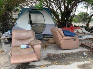 Nadie sabe a dónde se fueron los depredadores sexuales que debían abandonar hoy su campamento en Miami-Dade