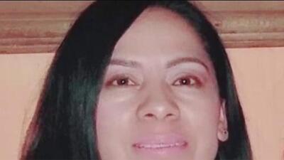 Una mujer murió tras quedar atrapada entre un vehículo y una cochera en La Villita