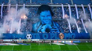 Gran polémica por tifo de Pablo Escobar en estadio de Polonia