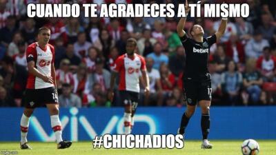 Chicharito, protagonista de los memes tras su doblete con el West Ham