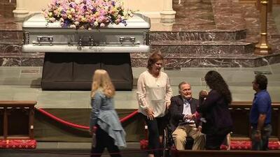 Cientos de personas asisten al funeral de Barbara Bush, esposa de un presidente y madre de un presidente