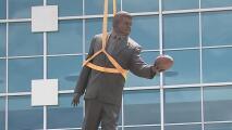 Carolina Panthers remueve estatua de su fundador tras alegaciones de mala conducta