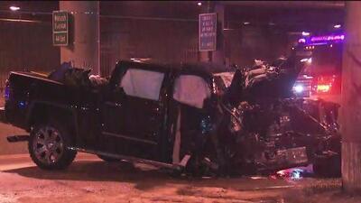 Aparatoso accidente de tránsito deja cuatro personas heridas en el centro de Chicago