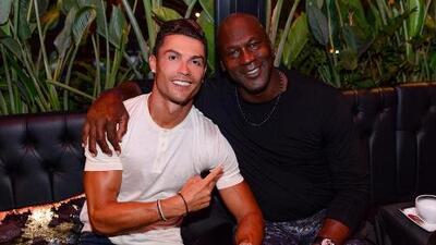 La imagen de dos íconos: CR7 se tomó una foto con Michael Jordan y prendió las redes