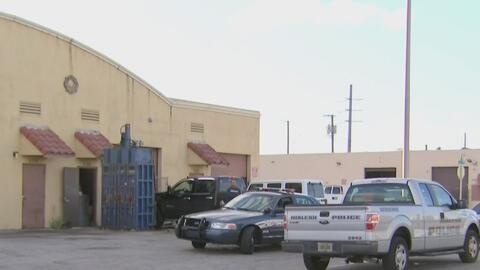 Buscan a los dos sospechosos de asaltar a mano armada un negocio en Hialeah