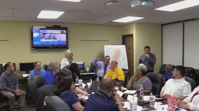 Servicios de emergencia de varias ciudades y condados del Metroplex realizan simulacro de tornado en Dallas