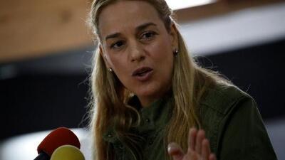 Lilian Tintori denuncia que incautaron su pasaporte en Venezuela antes de viajar a Europa