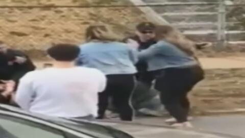Investigan supuesta agresión de un policía contra una mujer durante celebraciones de San Patricio