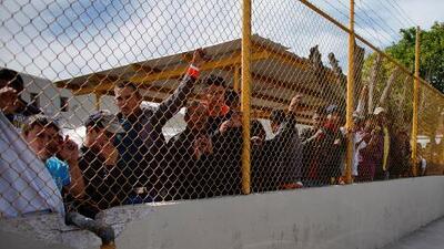 Migrantes dicen sentirse presos en albergue de Piedras Negras, México