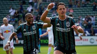Con el de Galaxy, Chicharito suma 'póker' de hat-tricks en su carrera