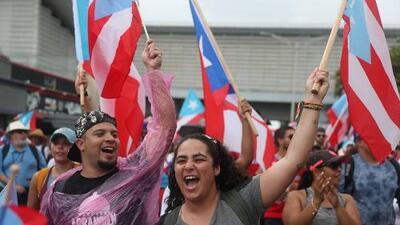 """""""Somos más"""": la consigna de miles de puertorriqueños que salieron a las calles para celebrar la renuncia de Rosselló"""