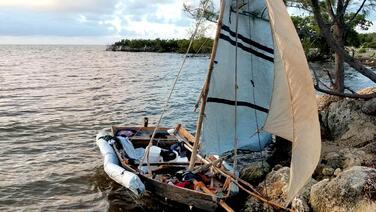 Balseros llegan a las costas de Florida y se dispersan al tocar tierra
