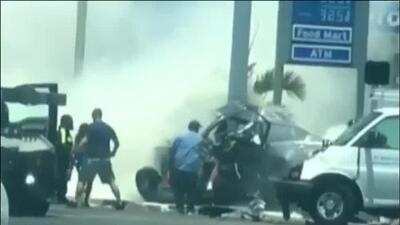 En video: Dos personas mueren y otra resulta herida en un accidente de tráfico en Miami Springs