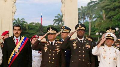 Esta es la estrategia de Maduro para que los militares lo sostengan en el poder... y estos son quienes la ejecutan