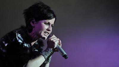 Largas filas en la lluvia: miles de fanáticos le dieron el último adiós a Dolores O'Riordan