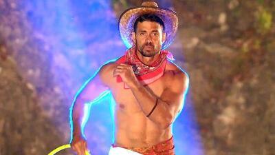 Pedro Moreno se olvidó por un momento de competir para bailar una cumbia