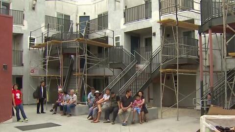 Residentes de dos complejos de apartamentos se sienten afectados por reparaciones en la zona
