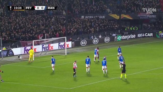 ¡GOOOL! Jens Toornstra anota para Feyenoord