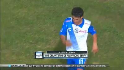 Los delanteros de Alejandro Berry en su UD Fantasy