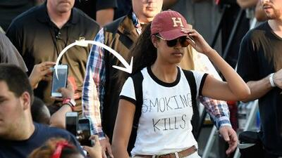 """¿Qué quiso decir Malia Obama con la camiseta de """"fumar mata""""?"""