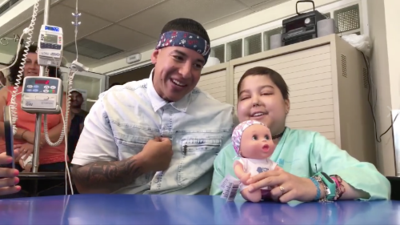"Cancer patient sings ""Despacito"" duet with Daddy Yankee"