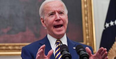 Biden firma otros dos decretos para agilizar ayuda económica a los estadounidenses más vulnerables