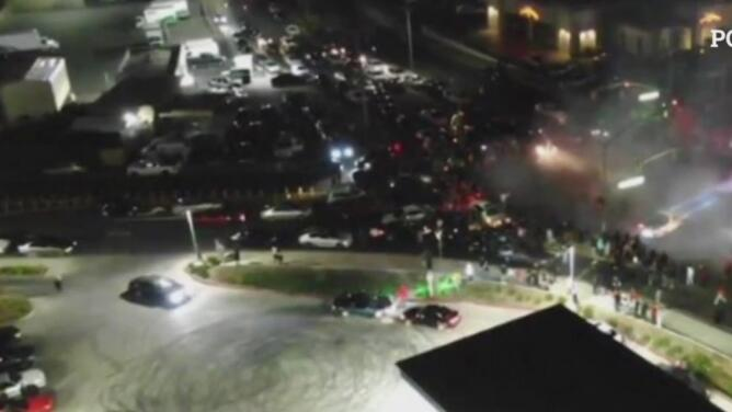 La policía advierte a los participantes de espectáculos ilegales de autos o 'Sideshows'