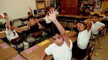 Por qué no deberías dejar de hablar en español a tus hijos en casa para que aprendan inglés