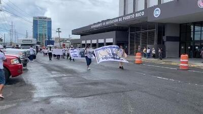 Familiares de confinados realizan protesta en el Departamento de Corrección