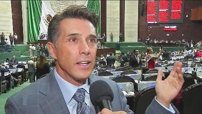 Sergio Mayer reconoce que no le alcanza el dinero que gana como diputado en México para su estilo de vida