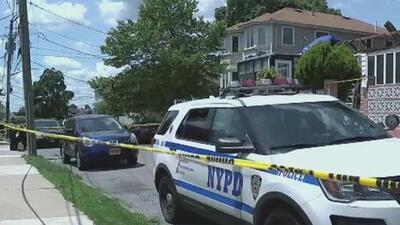 Acusan a un militar activo tras el asesinato de una madre y sus dos hijos en Staten Island