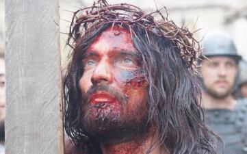 Julián Gil y otros famosos interpretaron a Jesucristo