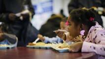 Así es 'No Kid Hungry', la campaña que busca acabar con la hambruna infantil en EEUU