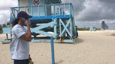 Cierran playas en norte de Miami-Dade por presencia de algas tóxicas relacionadas con marea roja