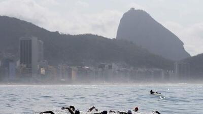 Se hunde en el mar plataforma de Copacabana la estructura de salida de aguas abiertas