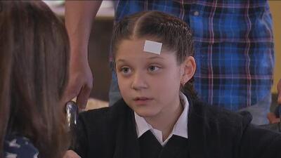 La Taxista   Daniela le pregunta a Victoria si sigue enamorada de Juan