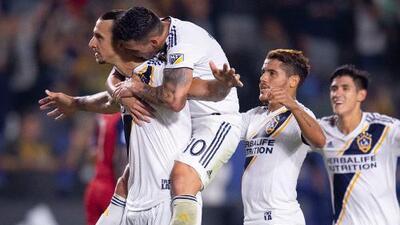 """Zlatan elogió al nuevo galáctico: """"Pavón es demasiado bueno para MLS; debemos disfrutarlo"""""""